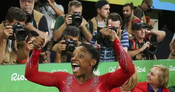 Simone Biles faz bonito no salto e fatura o terceiro ouro na Rio 2016 ...