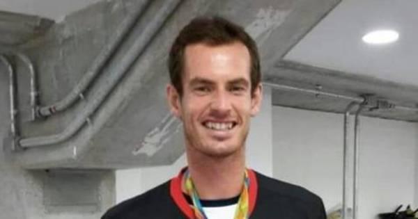 Andy Murray posa com camiseta do Flamengo e medalha de ouro ...