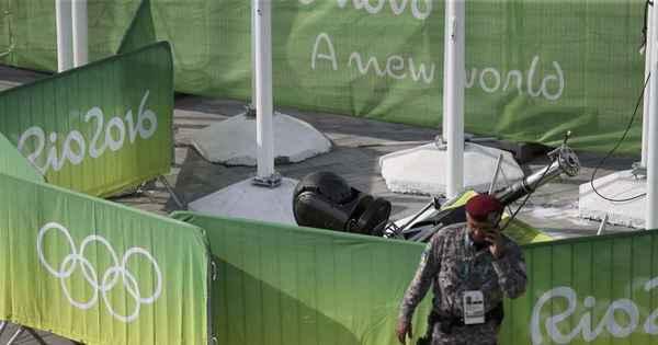 Queda de câmera de televisão deixa 7 feridos no Parque Olímpico ...