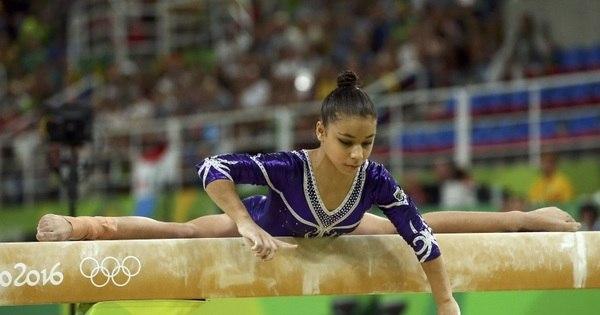 Simone Biles afirma que Flávia Saraiva merecia o bronze na prova ...
