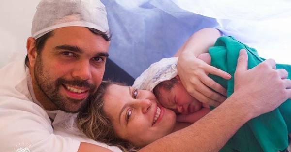 Bárbara Borges mostra o rostinho de Theo, seu segundo filho ...