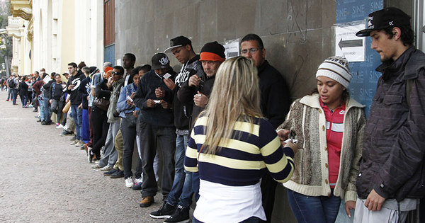 Desemprego bate recorde histórico e atinge 11,3% dos brasileiros ...