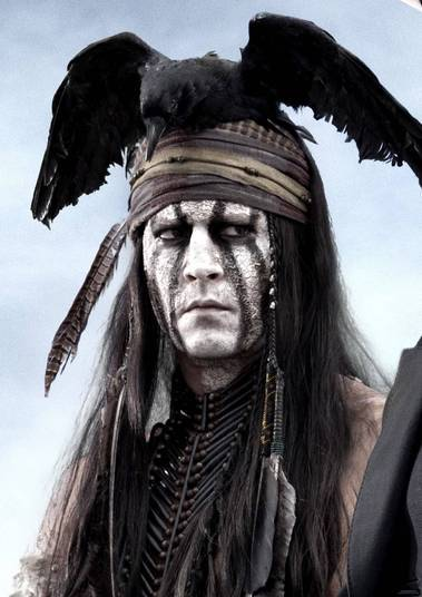 Johnny Depp em O Cavaleiro SolitárioO ator sofreu várias críticas por este filme, não só porque a história não agradou nem aos críticos e nem ao público, mas porque a escalação de Depp para viver um índio nativo americano. Além disso, ele foi criticado por interpretar uma versão bastante estereotipada dos indígenas. O ator disse na época que tem ancestrais Cherokee, mas mesmo assim não foi poupado