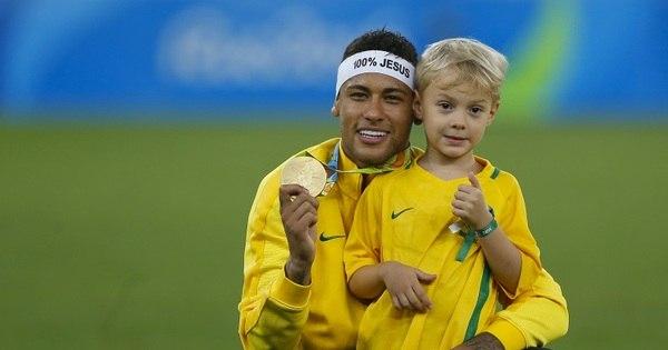 Após convocação, Barcelona adia retorno e Neymar só se ...