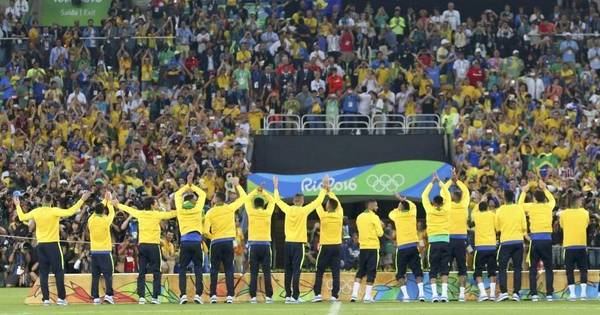 Ouro olímpico faz Brasil voltar a ser país do futebol - Rede record ...