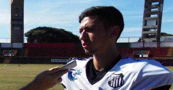 Kicker do Santos Tsunami mostra habilidade de defensor e evita ...
