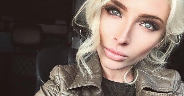 """Modelo magra é chamada de """"alienígena anoréxica"""" depois de ..."""