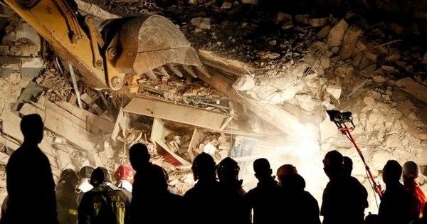 Número de mortos em terremoto na Itália sobe para ao menos 159 ...