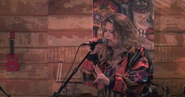 Marília Mendonça divulga vídeo de nova música e fãs aprovam ...