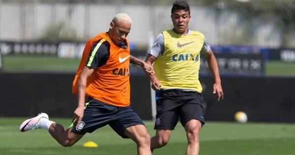 Depois de vestir camisa do Timão, Neymar treina em CT do ...