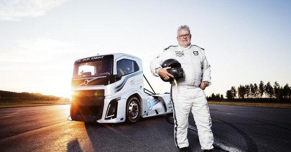Caminhão Volvo, com 2.433 cv, cumpre promessa quebra recorde ...