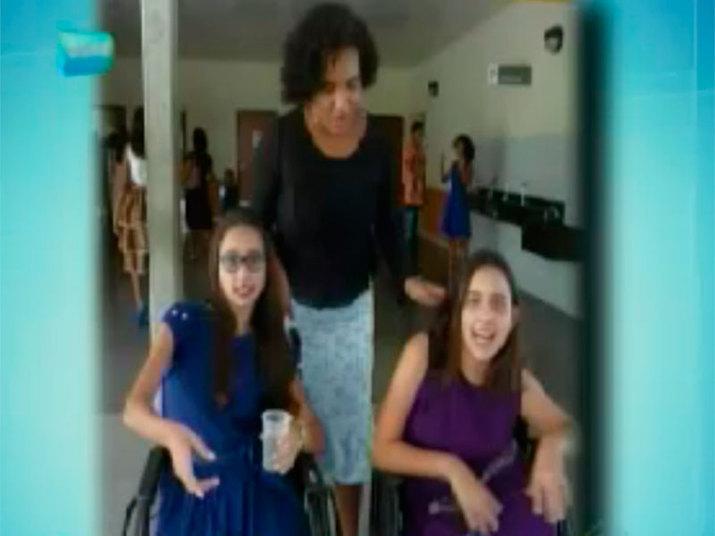 As gêmeas Gabriele e Beatriz Guimarães Forte, de 18 anos, moradoras de Salvador, viram suas vidas mudar radicalmente ao longo dos últimos anos. Assista ao vídeoExperimente grátis toda a programação da Record no R7 Play