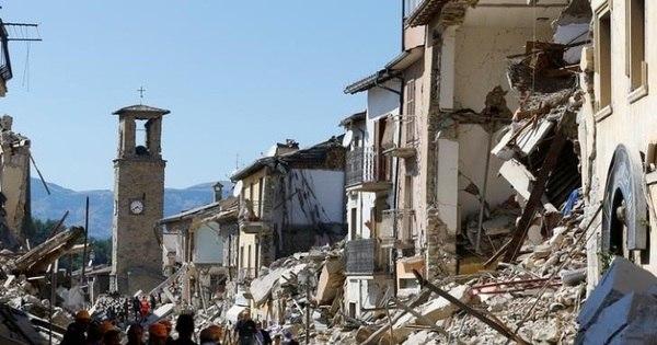 Sobe para 278 número de vítimas do terremoto na Itália - Notícias ...