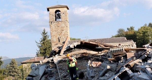Socorristas retiram corpo de escombros de hotel na Itália; Total de ...