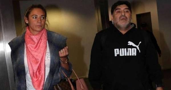 """Com passaporte """"roubado"""", Maradona é impedido de embarcar na ..."""