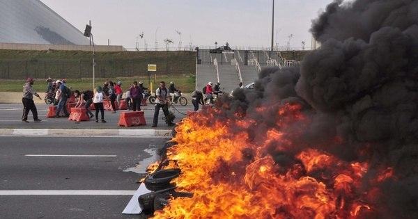 Manifestações bloqueiam as principais vias de São Paulo nesta ...