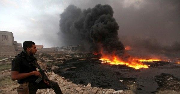 Estado Islâmico pode ter enterrado mais de 15 mil corpos em fossas ...