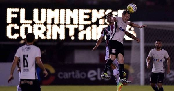 Corinthians e Fluminense empatam e disputa por vaga nas quartas ...