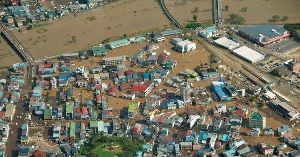 Enchentes provocadas por tufão deixam 11 mortos no Japão ...