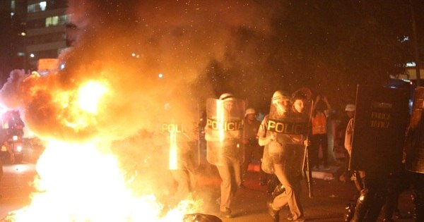 Caos em manifestação tem feridos, presos e destruição - Notícias ...