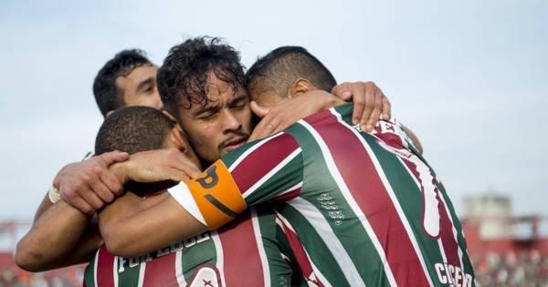 Flu leva susto no 2º tempo, mas vence Figueirense e fica mais perto ...