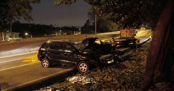 Perseguição policial termina em acidente e morte na rodovia ...