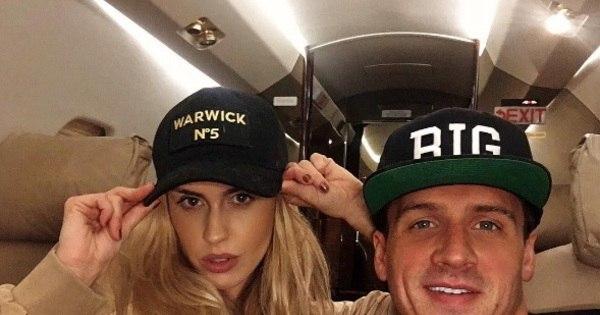 Ryan Lochte reata o namoro com ex- coelhinha da Playboy depois ...