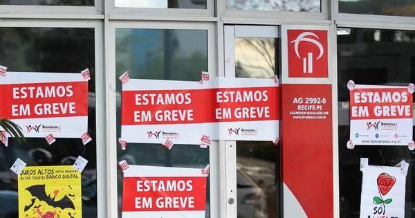 Com mais de 8 mil agências fechadas, greve entra no quarto dia e ...