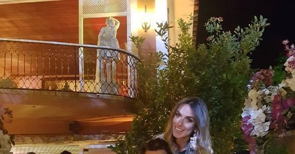 Marcelo Bimbi e Nicole Bahls postam foto juntos e mandam recado ...