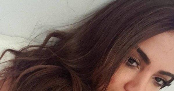 Anitta posa com top transparente e ganha elogio de fãs ...