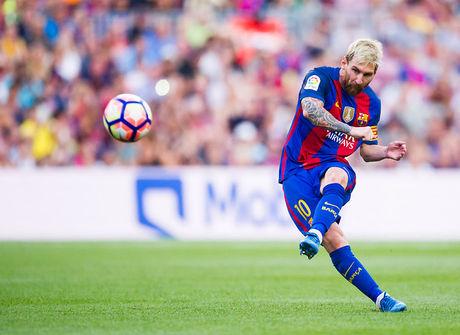 Lionel Messi vale mais do que 12 equipes da Liga dos Campeões