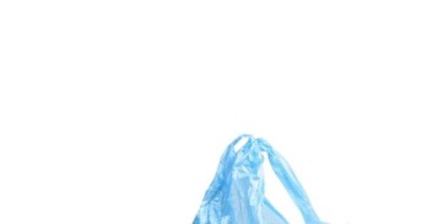 Casal faz sexo com saco plástico em vez de camisinha e fica ...