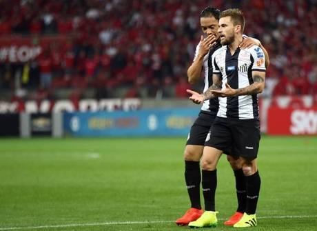 Santos e Galo tropeçam, mas Palmeiras e Fla não perdoam