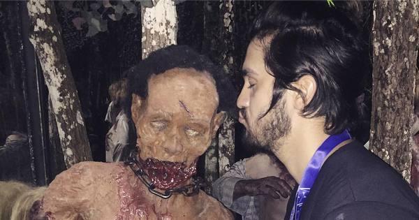 Luan Santana dá beijinho em zumbi em viagem de férias para os ...