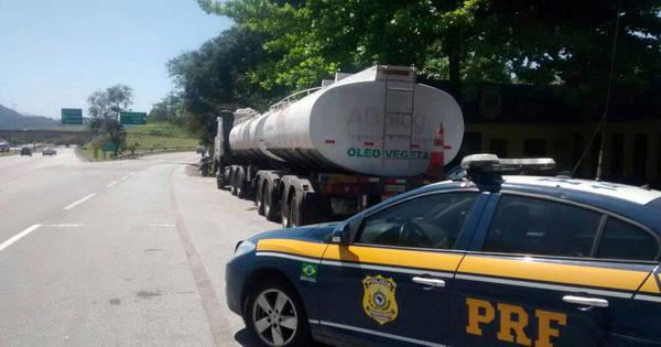 Caminhão com 45 mil litros de petróleo roubado é apreendido em ...