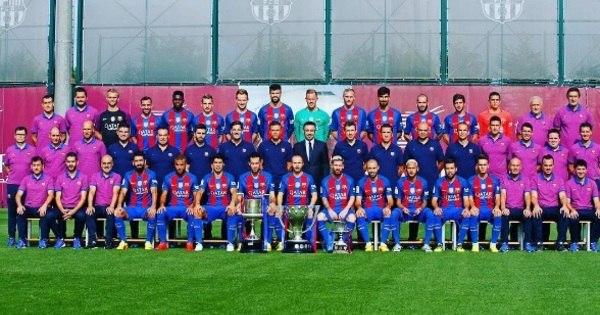 Neymar volta a fazer graça em foto oficial do Barcelona - Esportes ...