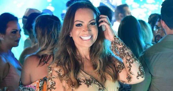 Solange Almeida surpreende fãs e oferece vestido de festa para ...