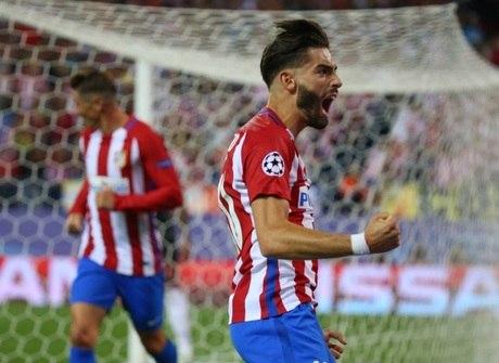 Na raça, Atlético de Madrid e Barcelona vencem pelo torneio