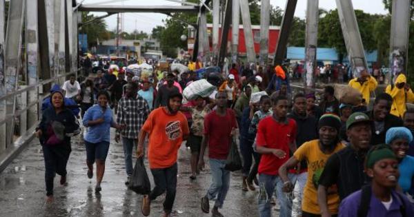 Número de mortos após furacão Matthew chega a 877 no Haiti ...