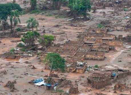 Veja como está Mariana um ano depois do desastre na cidade
