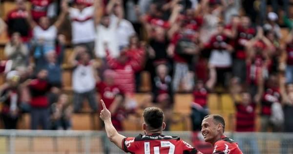 Flamengo derrota o Santa Cruz no Pacaembu e continua na caça ...