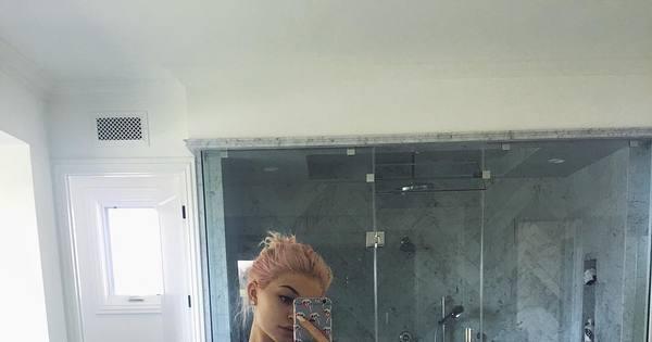 Que é isso, novinha? Kylie Jenner posta foto de lingerie e ganha 2 ...