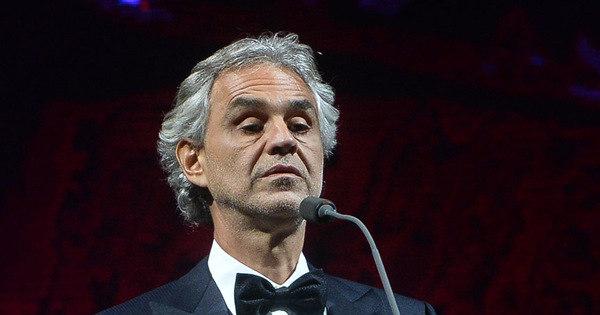 Andrea Bocelli canta com detentos de presídio em Guarulhos ...
