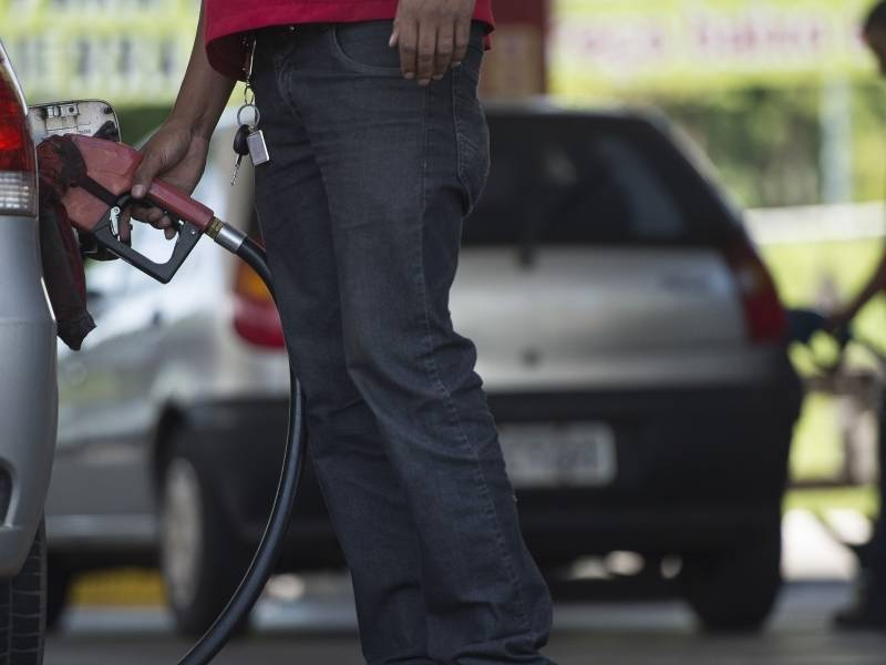 Preço da gasolina pode cair R$ 0,05 com nova redução