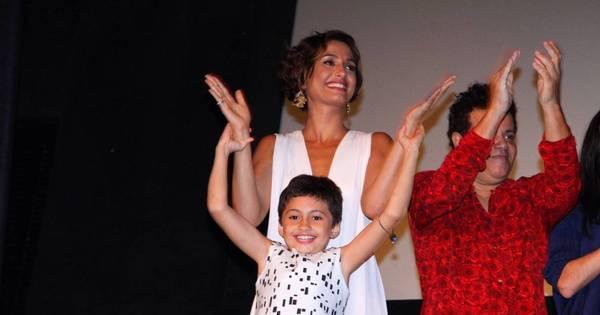 Camila Pitanga vai com filha e Igor Angelkorte em estreia de ...