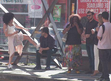 Laura Keller e Jorge Souza testam as reações das pessoas na rua