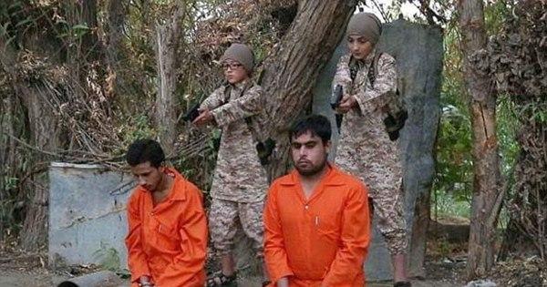 Estado Islâmico usa crianças para executar prisioneiros; relembre ...