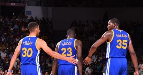 Golden State Warriors vence Lakers fora de casa com 59 pontos de ...