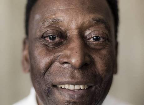 Vida longa ao Rei Pelé! Hoje, Edson Arantes do Nascimento faz 76 anos