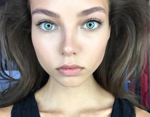 Pai faz apelo na web por emagrecimento radical da filha modelo